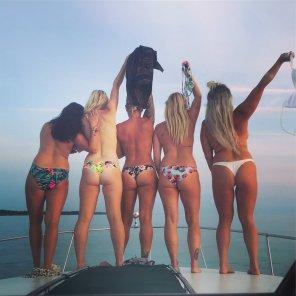 amateur photo 5 on a boat