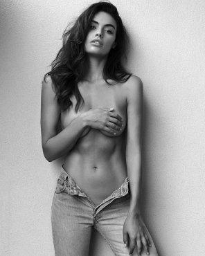 amateur photo Unzipped jeans
