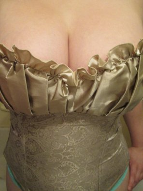 amateur photo Corset Boobs