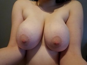 amateur photo I don't know. Look at my boobs?