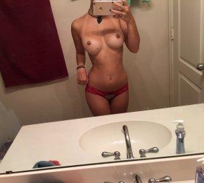 amateur photo Envious body