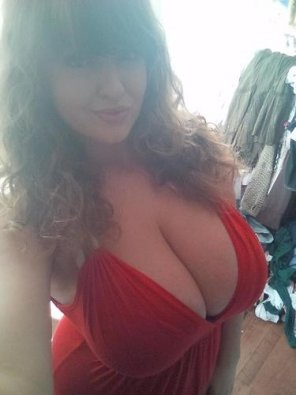 amateur photo Big boobs red dress