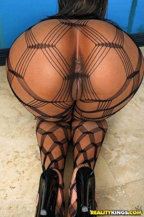 amateur photo Fishnets + Brown eye=Winning...