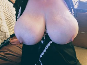 amateur photo just my pale tits hanging, getting ready to give a titjob