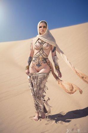 amateur photo Desert feline goddess..