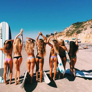 amateur photo Surfer girls