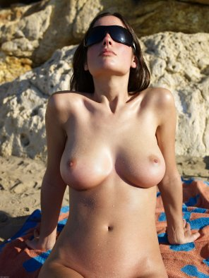 amateur photo Wet Boobs on the Beach
