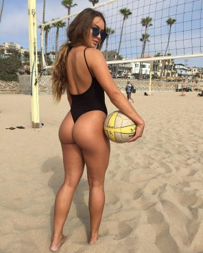 amateur photo Summer Ray likes volleyball