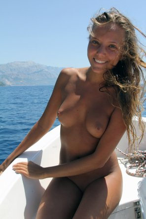 amateur photo nice tan