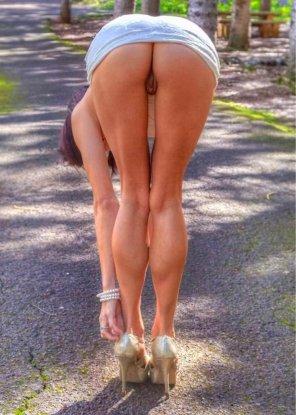 amateur photo nice calves!