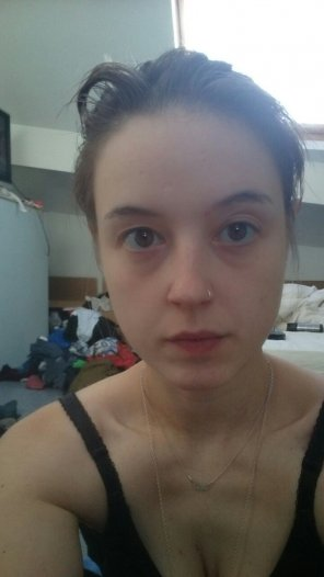 amateur photo Makeupless! Thoughts? :)