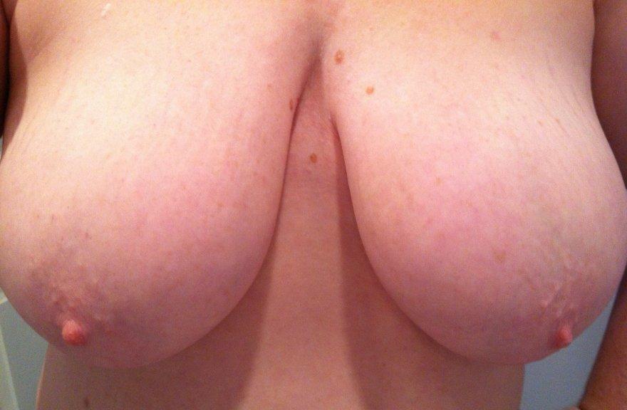 Wife's big naturals Porn Photo