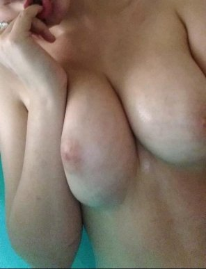 amateur photo [18F] Got my phone wet to take this for you guys, it was worth it. =P <3 <3