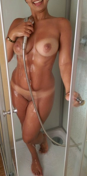 amateur photo Tan Lines In The Shower