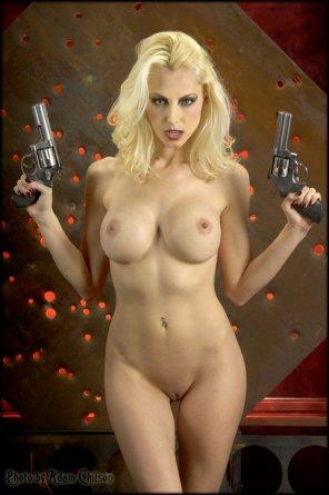 amateur photo Nice guns