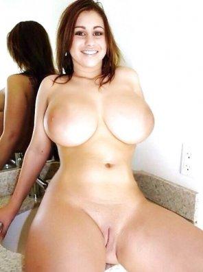 amateur photo Big Boobs Brunette Beauty
