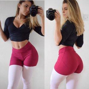 amateur photo Two toned leggings