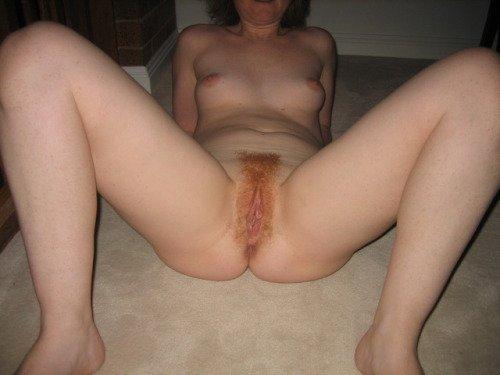 Legs apart... Porn Photo