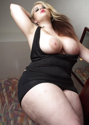 amateur photo Voluptuous poser