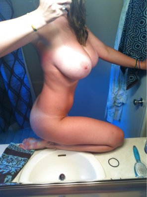 amateur photo Tanline selfie