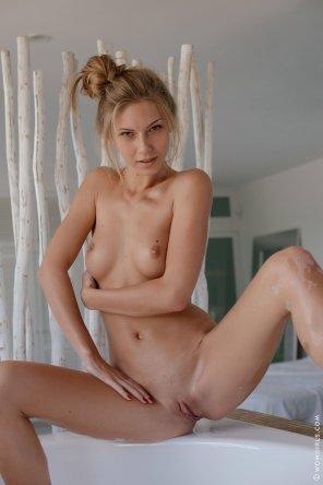amateur photo Angelica
