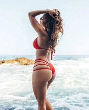 amateur photo Red with straps