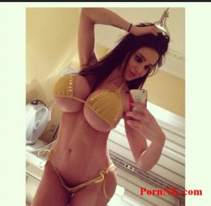 amateur photo Amy Anderssen - Twitter Babe Of The Day