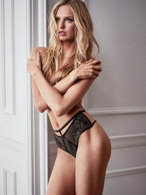 amateur photo Romee Strijd