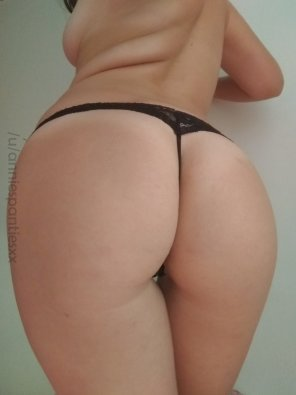 amateur photo Bubble butt, tiny thong ♥ [f]