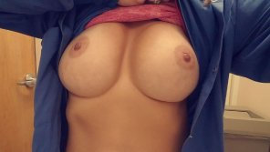 amateur photo Wife showing off
