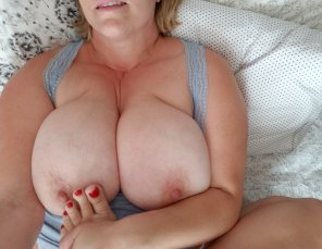 amateur photo Tits and Toes