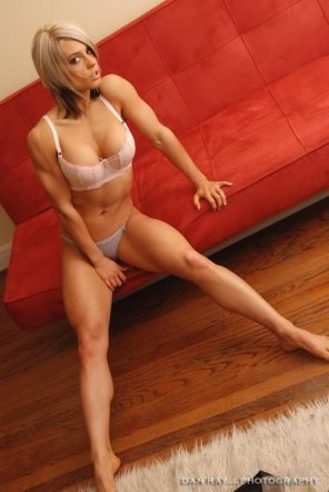 amateur photo Blonde with a killer body. Doesn't skip legs day.