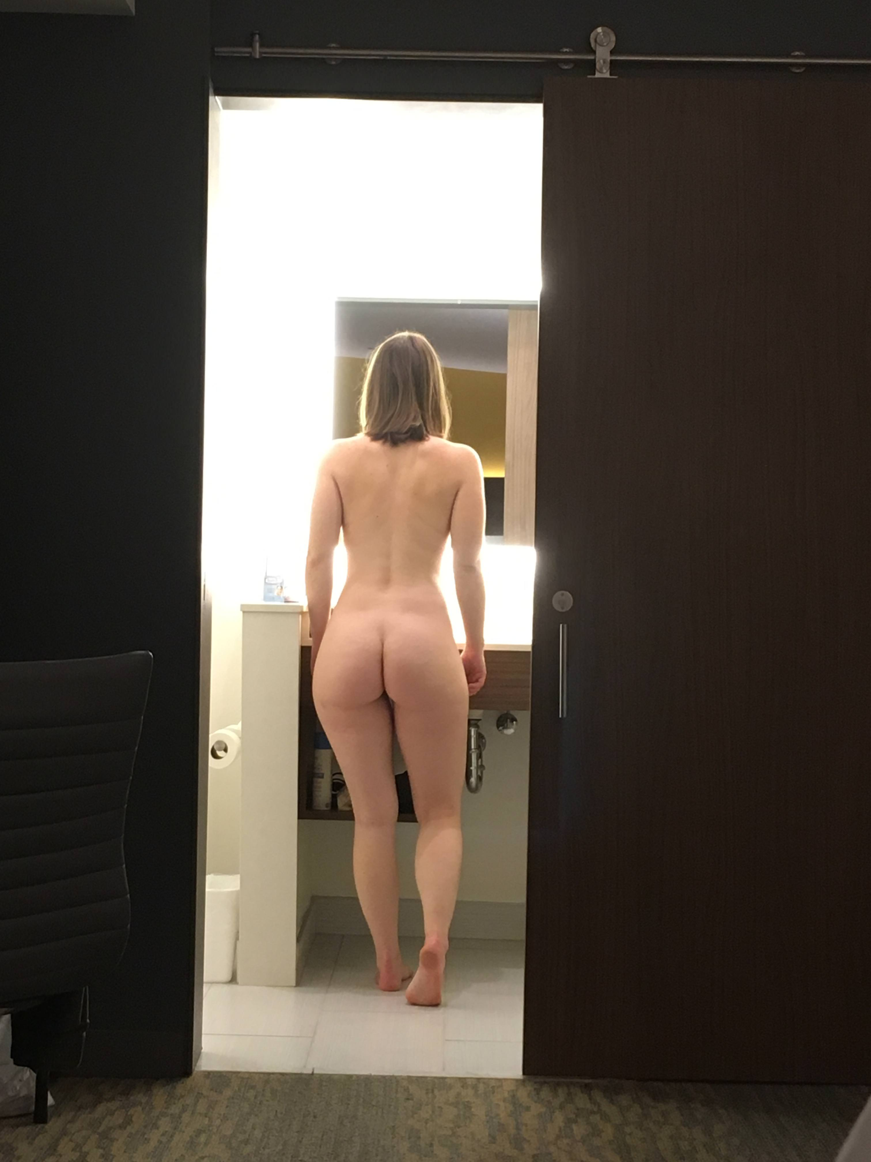 Amateur ebony hidden cam