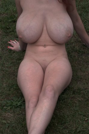 amateur photo Naked On The Grass