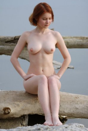 amateur photo Pretty and pale redhead