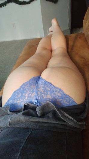 amateur photo My thick Thick ass woman [OC]