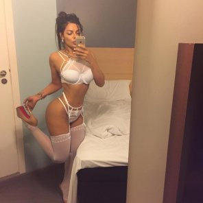 amateur photo White and curvy