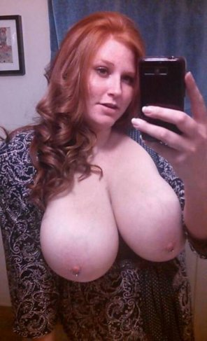amateur photo Thick Redhead