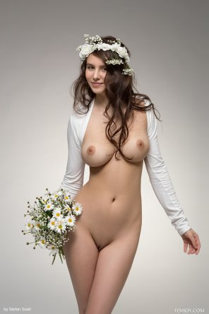 amateur photo Busty Bridesmaid