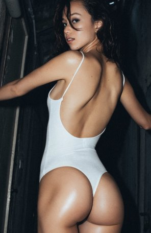 amateur photo Basic white one piece
