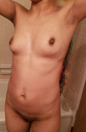 amateur photo 30 with striped titties [F]