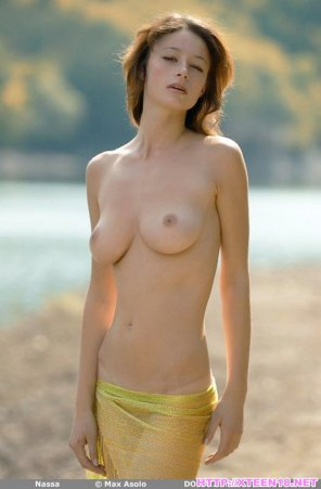 amateur photo Busty Outdoor Naked Teen