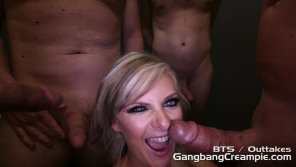 amateur photo Alessandra Noir Gang Bang Blowjobs