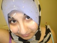 Hijab Cumslut with a smile!