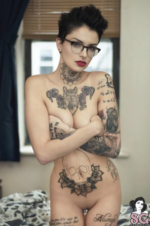 amateur photo Gorgeous face, slender body and some serious tats