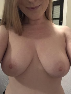 amateur photo Who likes ginger titties? [f]
