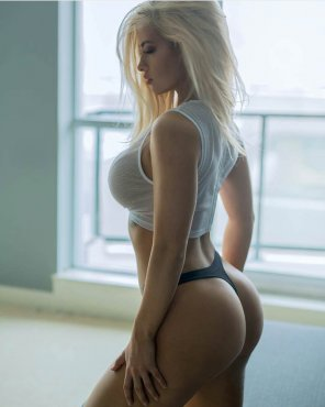 amateur photo Bottle blonde