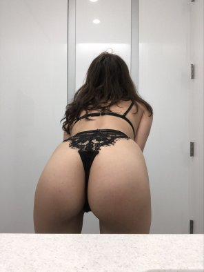 amateur photo request & ye shall receive...more ass! :) [f19]