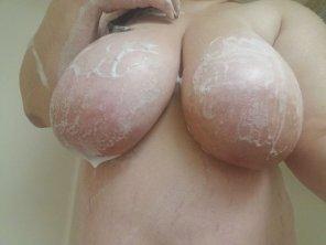 amateur photo IMAGE[Image] Morning shower, morning tits