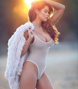 amateur photo Jessa Hinton Hot & Busty !! Enjoy
